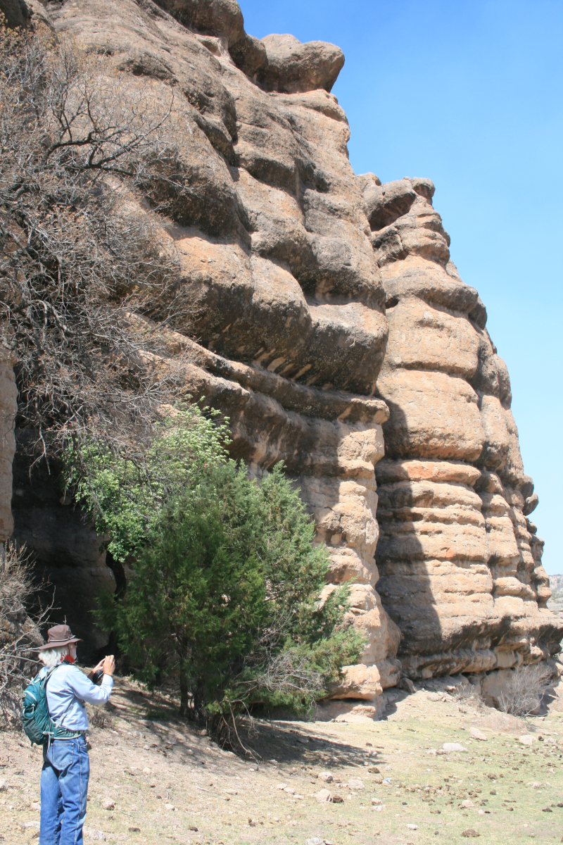 25 - Olla - photographing the cliff face